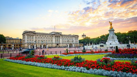 London In One Day with River Cruise & London Eye option