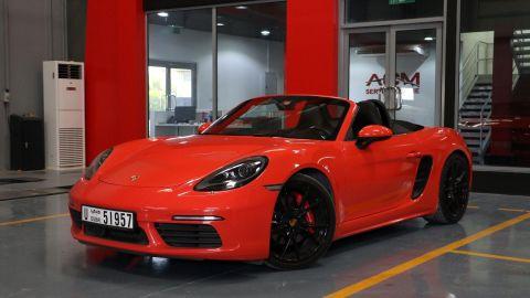 E & S Luxury Cars - Self Drive Rental: Porsche Boxster S 718